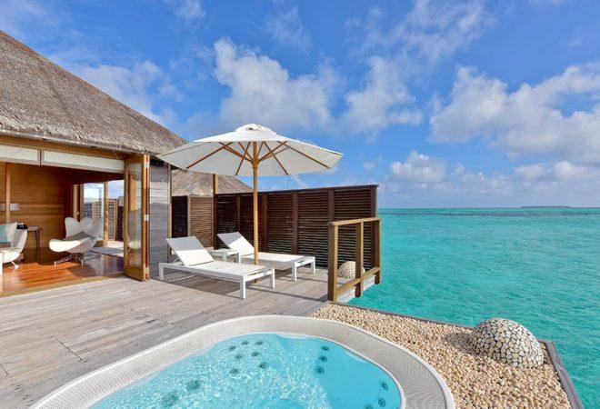 Deluxe Water Villa deck