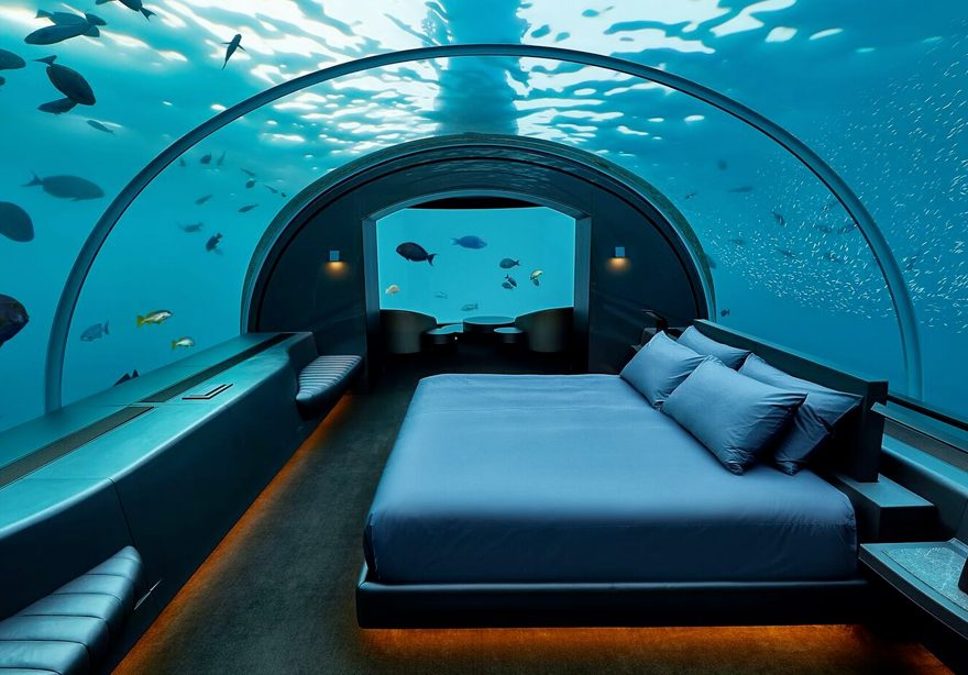 Muraka underwater bedroom